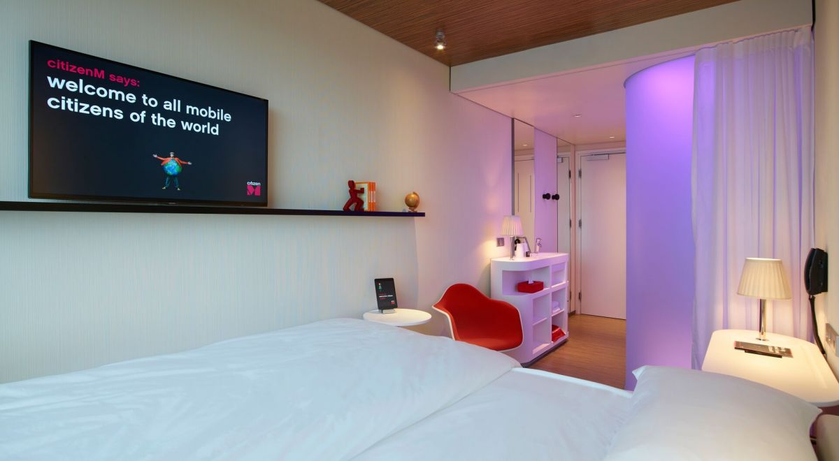 citizenM Amsterdam Schiphol airport - guestroom