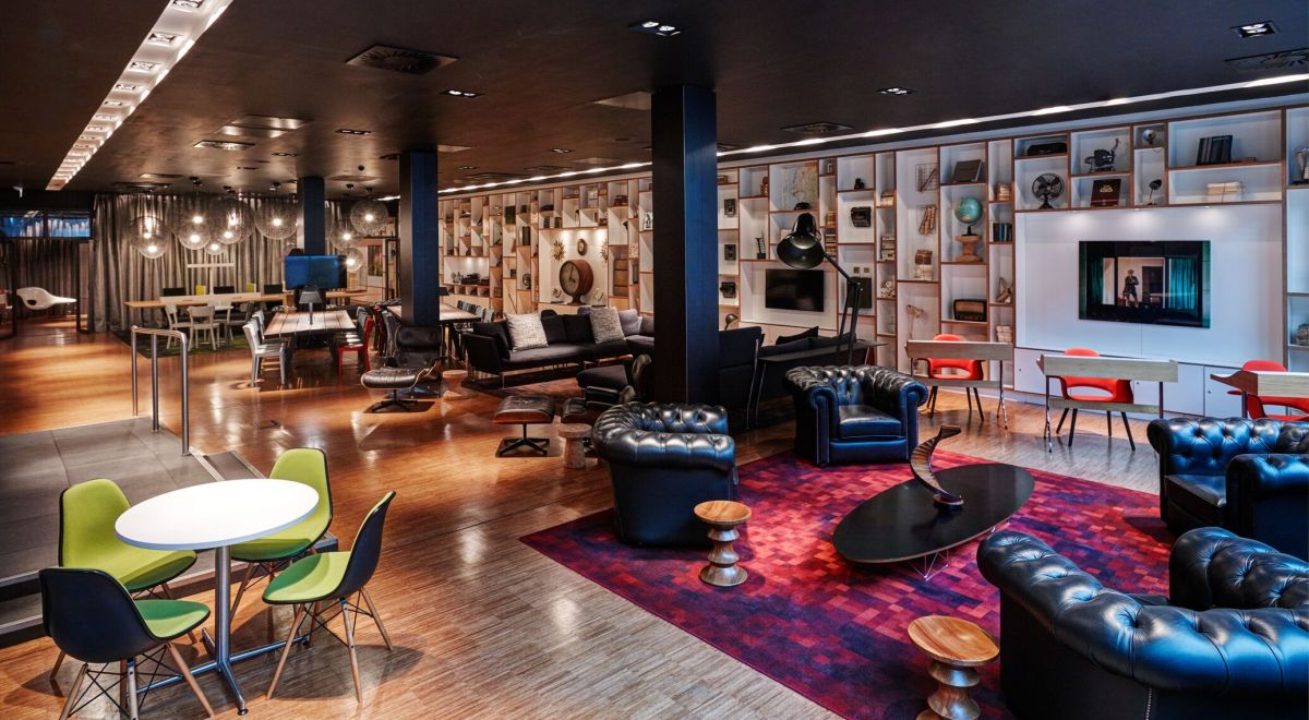 citizenM Glasgow hotel clubroom