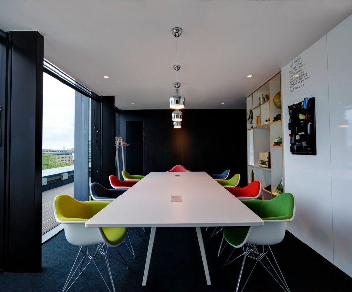 societyM meeting room 3 at citizenM Tower of London