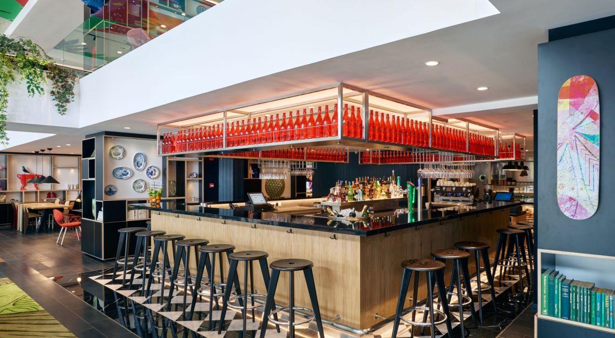 citizenM Kuala Lumpur hotel - canteenM bar