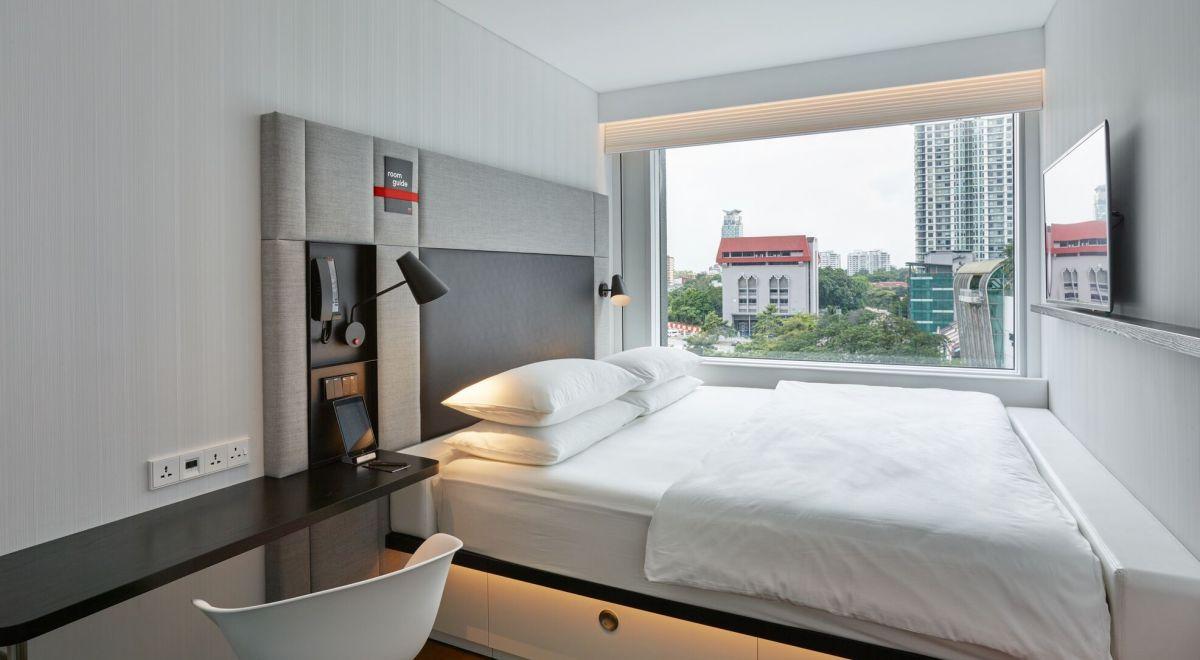 citizenM Kuala Lumpur hotel - guestroom