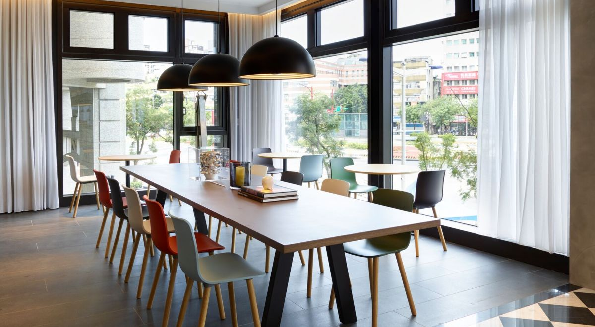 citizenM Taipei hotel - workspace